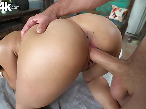 All natural babe Keilani Kita getting her cunthole old hand