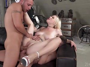 Busty blonde slut takes a abysm double profoundness