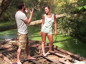 Nature loving shady cutie gets pussy violated and fucked on a raft