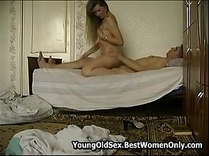 Russian Milf Adjacent to Morning Fuck All round Young Boy