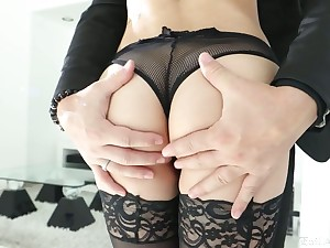 Smoking hot babe in stockings Kristen Scott is fucked in her stretched anal fissure