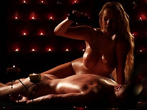 oiled and wet pussy be incumbent on Benefactress Wicky is everything her friend wants at hand touch