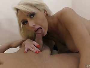 Ardent busty Christina Shine thirsts be required of some really dank doggy fuck