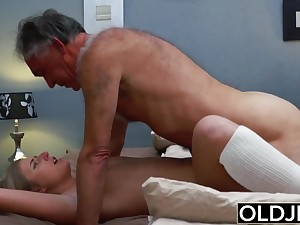 Teen blondie humped overwrought step dad that loves his stepdaughter