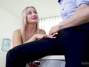 Blond secretary Cayla Lyons seduces duo of her interesting co-workers