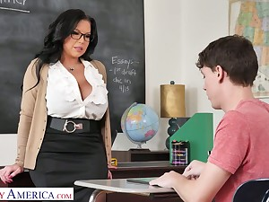 Mega prexy cram Sheridan Love is enthusiastic for big dick of sophomore student