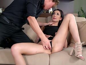 Dude caught secretary Freya Dee masturbating pussy in the post