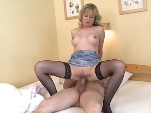Blonde woman rides man's cock and waits till such time as he cums at bottom the brush