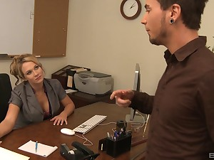 Foxy milf gets bonked by the brush hung staff member in the office