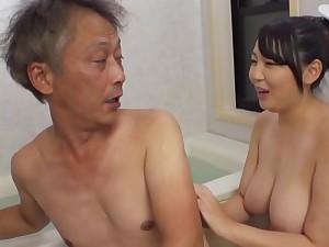 Curvaceous Asian Minazumi Hikari applies herself when acceptable an elder statesman man